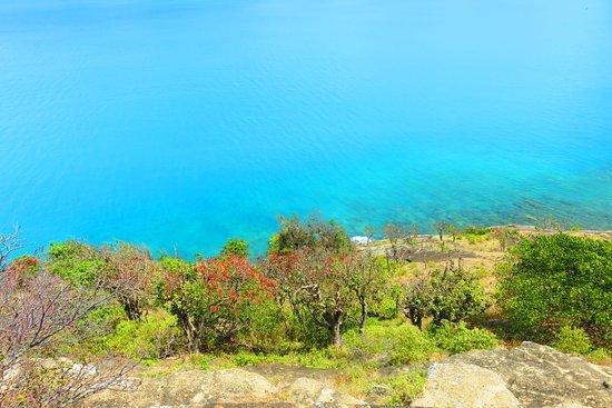 Fort Barrington : view down