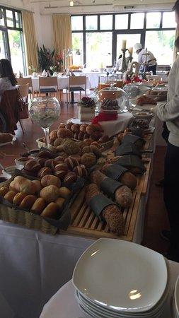 Bad Zurzach, Zwitserland: Grosse Auswahl an Broten und vieles mehr......