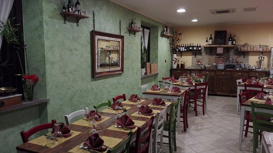 San Terenziano, İtalya: nuovi colori