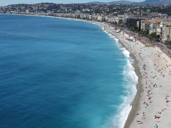Sedie Blu Nizza : Monumento alle caratteristiche sedie blu foto di promenade des
