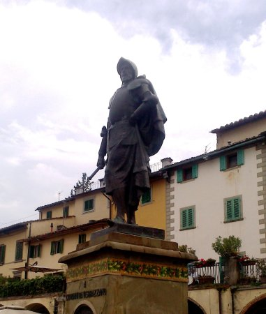Greve in Chianti, Italy: Estatua Giovanni da Verrazzano.