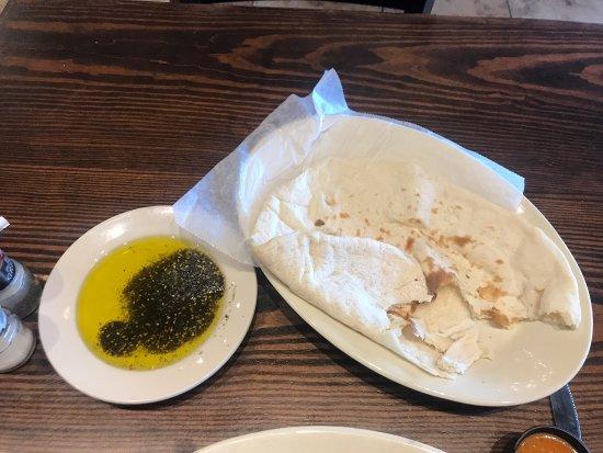 Selma, TX: احلا شي بالدنيا   زيت و زعتر و خبز تنور