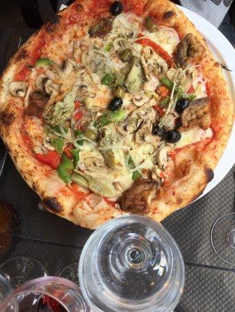 Kremlin Bicetre, France: LE PLAZA Restaurant Pizzeria