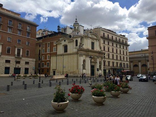Chiesa dei Santi Claudio e Andrea dei Borgognoni