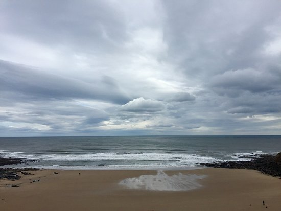 Long Sands Beach : Sand, water and sky