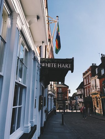 The White Hart : photo1.jpg