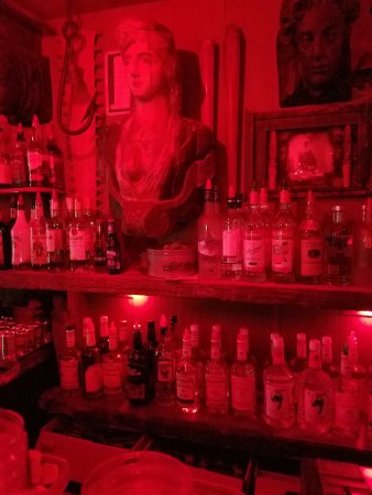 Old Colony Tap: Red light for ambiance