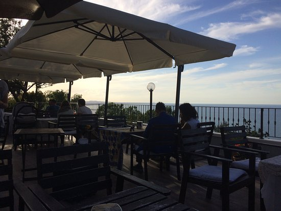 Gabicce Monte, Italy: Bar Risotarante Bahita
