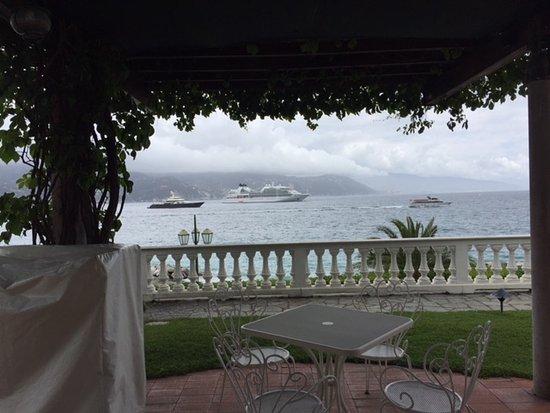 Grand Hotel Miramare: panorama dal giardino dell'hotel