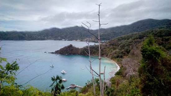 Speyside, Tobago: View from the trail above Blue Waters inn