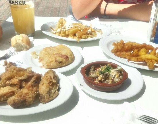Cafeteria Birgiñape : Pintxo revuelto de champis, tortilla al gusto, patatas alioli, alitas...