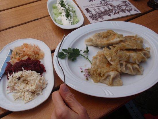 Stara Chata Restauracja: Pierogi z kaszą