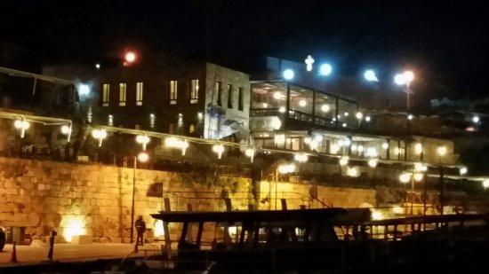 Sultan Al Mina Port Side Restaurants In The Middle