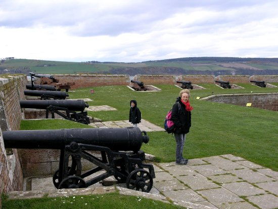 Ardersier, UK: Cannoni sui bastioni
