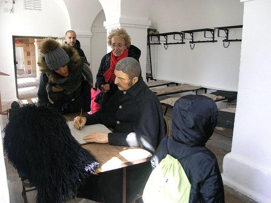 Ardersier, UK: Ricostruzione con manichino