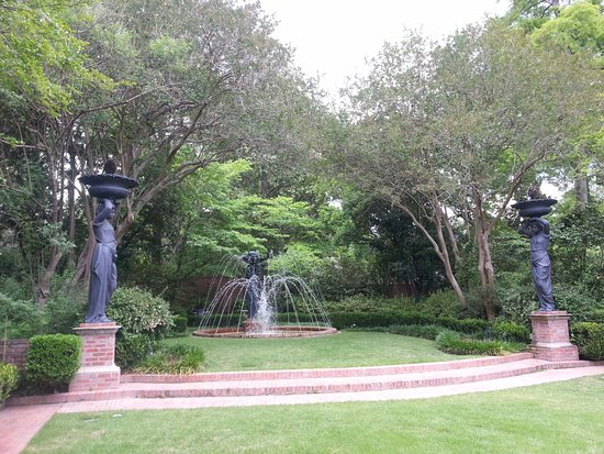 Monroe, LA: Central garden with fountain and statues.