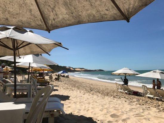 Madeiro Beach: É só consumir para usufruir do guarda-sol