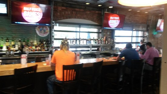 Old Chicago Pizza Amp Taproom Columbia Restaurant Reviews