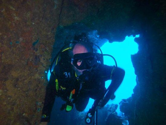 Rocksteady Dive Center: penetration