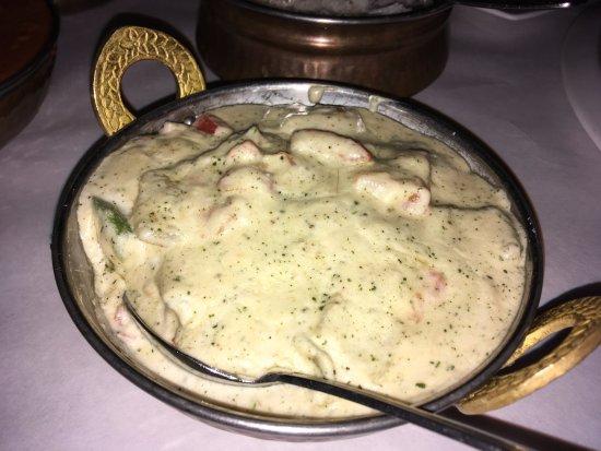 Moghul Fine Indian Cuisine: Chicken Kabob Masala