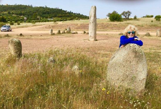 Monsaraz, Portekiz: Driving into the Stones