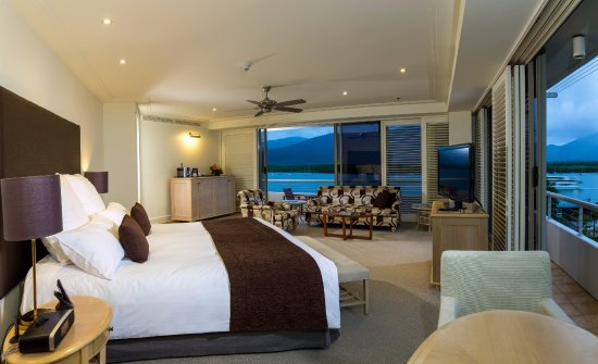 Pullman Reef Hotel Casino: Junior King suite