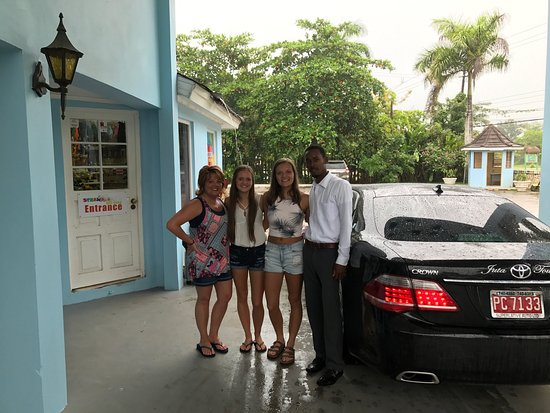 Gary's Jamaican Taxi & Tours : Fabian was awesome! He was kind, courteous and friendly. He drive us around, held the door and e