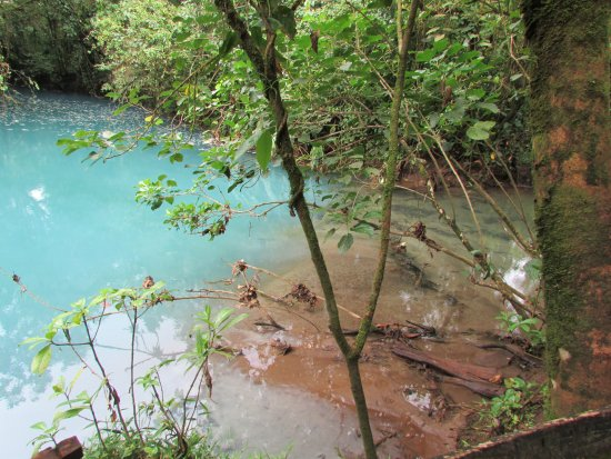 Tenorio Volcano National Park, Kosta Rika: Stream to show how blue water is