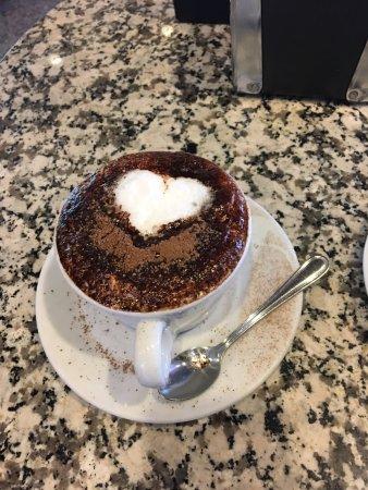 Caffe Vittoria: Cappuccino