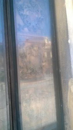 Chiesa Madre: anta della prima porticina
