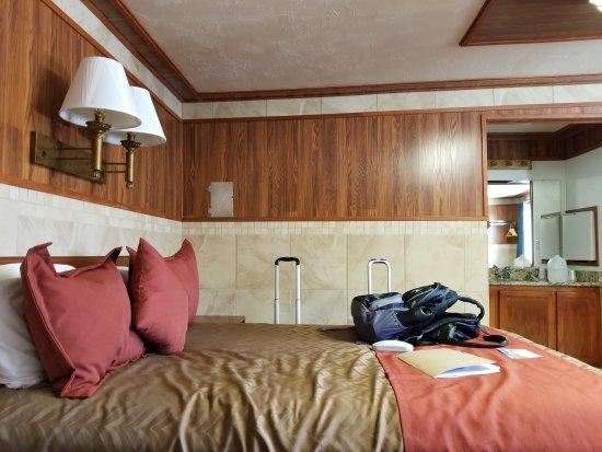 Zion Park Motel: 20170511_141909_large.jpg