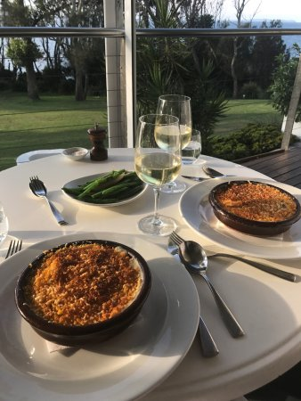 Mollymook, Australia: Bannister Fish Pie with Green Beans