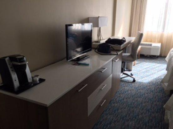 Zion, IL: Desk areas