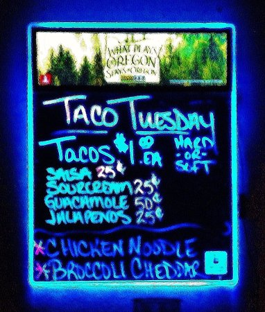 Troutdale, Oregón: lit sign with Specials
