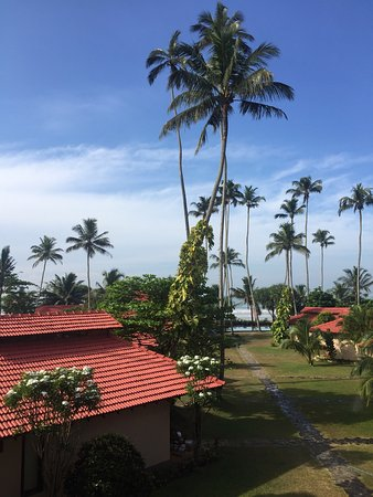 We spend two night at Weligama bay resort, it's a good hotel, they have everything, nice breakfa