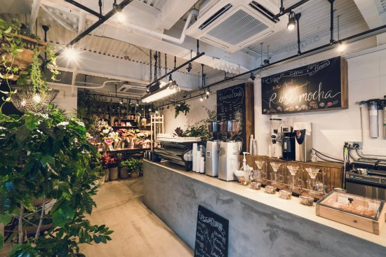1F Cafe Space - Picture of Essence Cafe, Shibuya - TripAdvisor