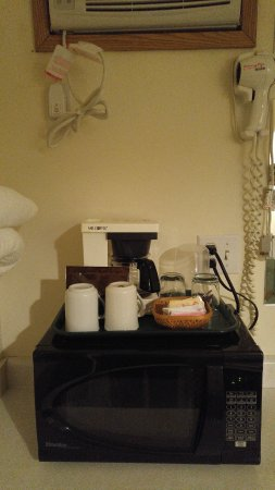 The Ranchland Inn: microwave, coffee maker, hair dryer