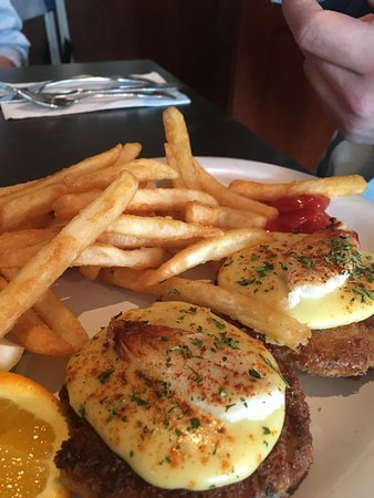 Dooger's Seafood & Grill: photo1.jpg