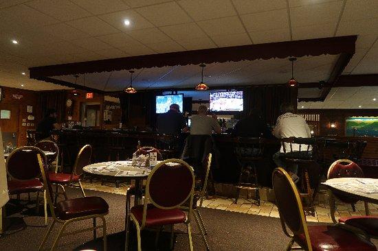 Glens Falls, Νέα Υόρκη: Bar side.