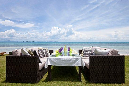 Lipa Noi, Thailand: Beachside Dining
