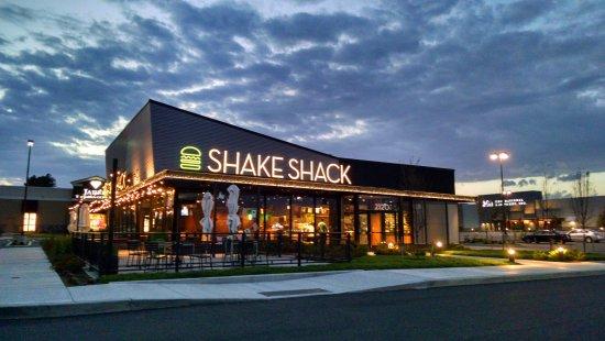 Newcastle, DE: Shake Shack photo by Ricky Hanson