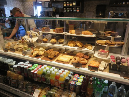 Saginaw, MI: Fresh bakery and breakfast sandwiches