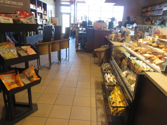 Saginaw, MI: Small store with limited seating