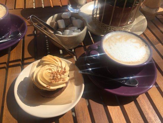 """Iecava, Lettland: """"Upene Cafe"""""""