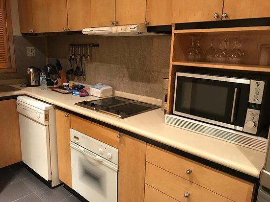 Winsland Serviced Suites by Lanson Place: Kitchen area