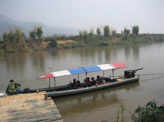 Mae Ai, Thailand: มีล่องเรือด้วยคะ