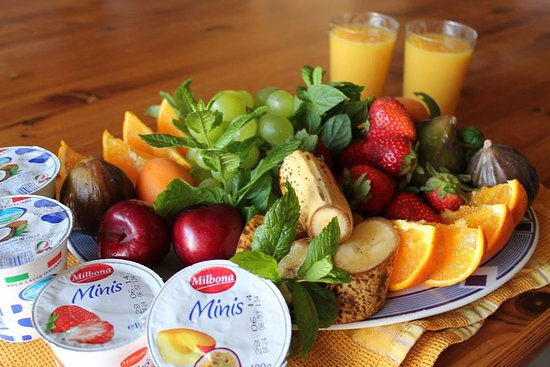 Xaghra, Malta: one of our daily changing breakfasts
