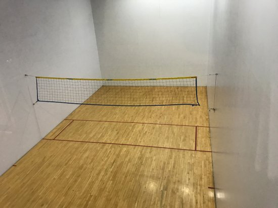Blanchard, ID: Court for racket sports or for volleyball or badminton