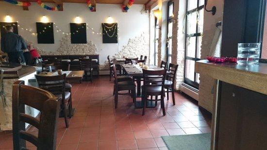Hattersheim, Germania: Gemütlicher Gastraum
