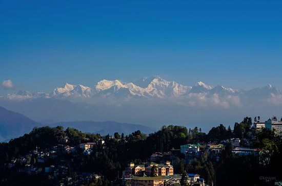Sinclairs Darjeeling: View of kanchenjunga peak